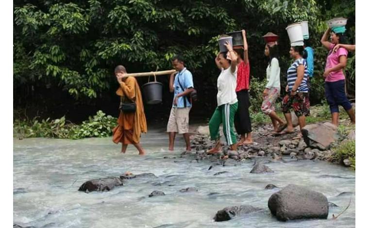 Dana Pembangunan Vihara Di Dusun Tebango