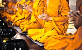 Sanghadana Obat-Obatan/Vitamin Kepada 215 Bhikkhu Sangha